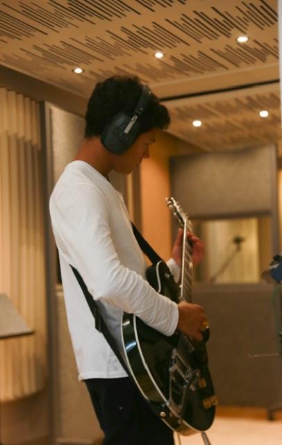 Youthsayers – Seth on Guitar